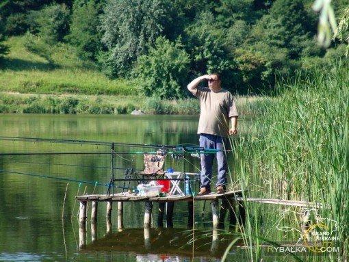 Рыбалка на селе. Рыбалка Садовая 85-я линия. Часть 1,2,3 Начало мая.  Киев,  река Днепр. Садовая 85 линия. Участники рыбалки опытные рыбаки и